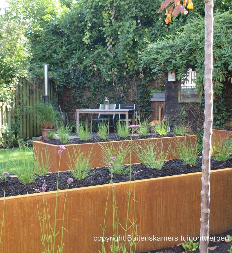 Tuin jaren 39 30 woning buitenskamers tuinontwerpen for Tuinontwerpen achtertuin